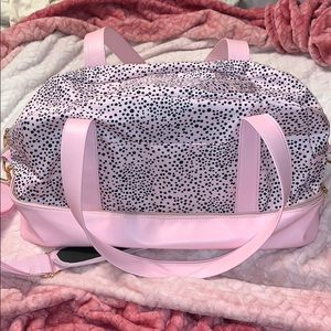 Pink leoparn print weekend bag